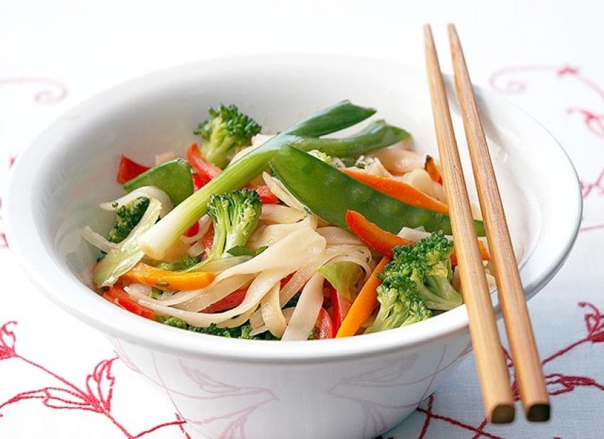 Nouilles thaïes aux légumes croquants, vinaigrette asiatique