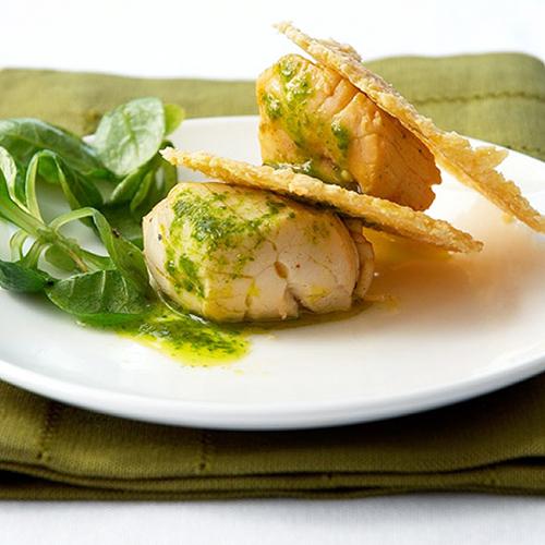 Millefeuille de Saint-Jacques sur lit de salade de blé à l'huile verte