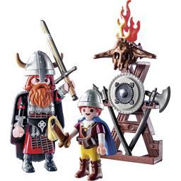 Œuf viking avec stand d'armurerie