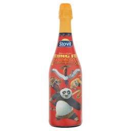 Kung Fu Panda Napój owocowy gazowany bezalkoholowy o smaku truskawkowym