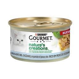 Comida húmida para gato de peixe, arroz e espinafres
