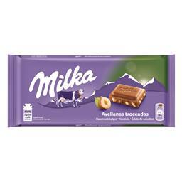 Tablete de chocolate pedaços de avelãs