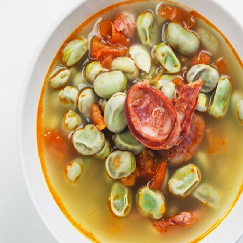 Sopa de Favas com Chouriço